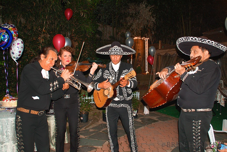 Mariachiband A 60th Birthday, Mariachis & a Simple Spinach Artichoke Dip With Heat!