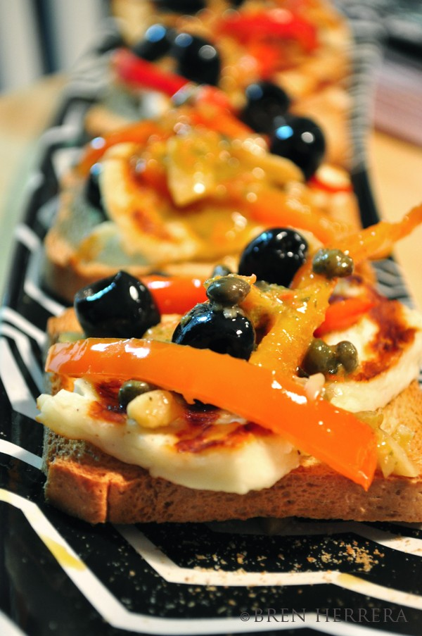 halloumicheese Halloumi Crostini with Red Peppers & Olives 