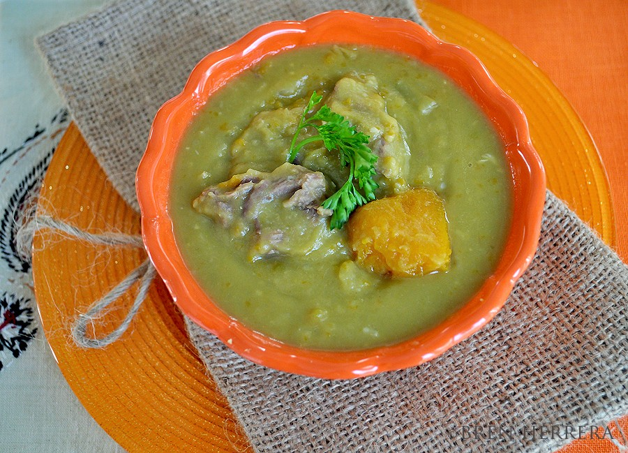 Chicharo1 Split Green Pea Soup {Potaje de Chcharo} Franco Cuban Style