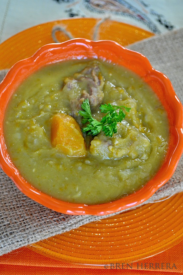 Chicharo2 Split Green Pea Soup {Potaje de Chcharo} Franco Cuban Style