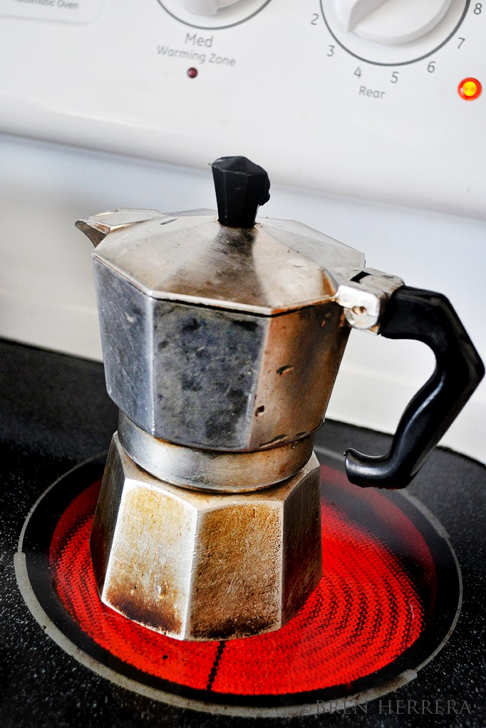 FEespressomaker How To Make Espresso in A Stovetop Maker